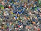 Plastikflaschen: der Rohstoff für das Root Pouch Material